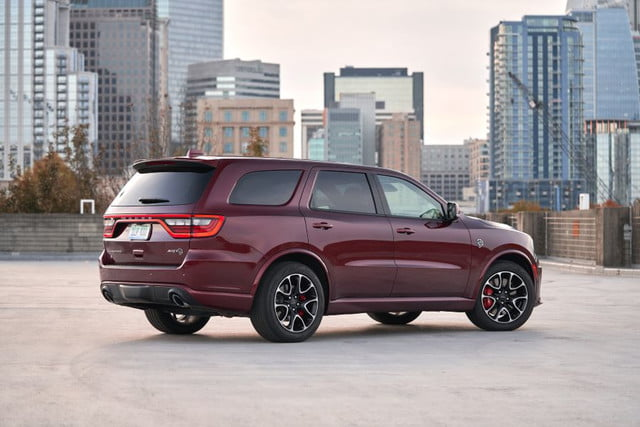 Vista lateral de Dodge Durango SRT Hellcat 2021
