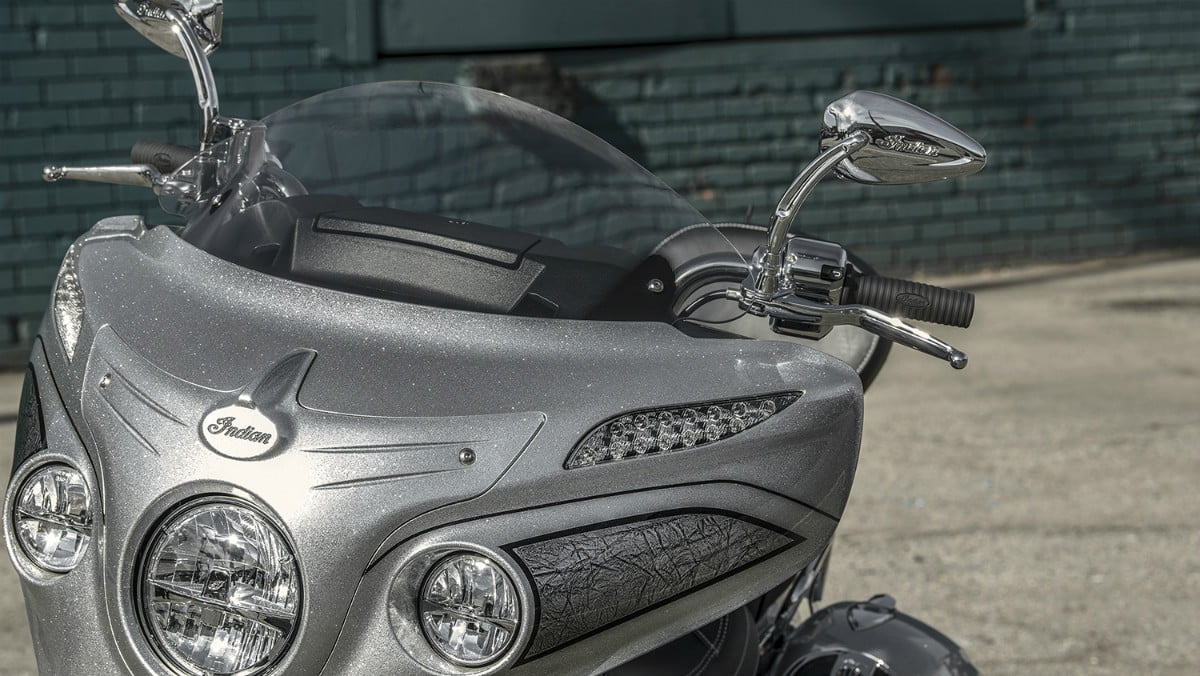 2018 chieftain elite indian motorcycle first look detail 01