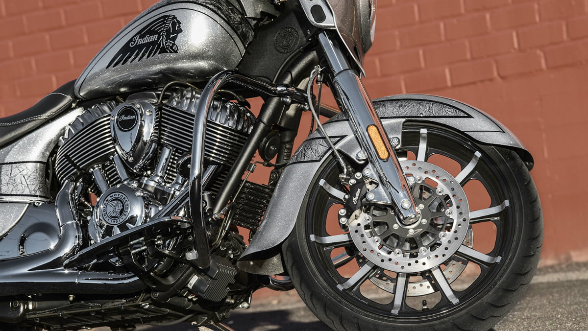2018 chieftain elite indian motorcycle first look detail 06