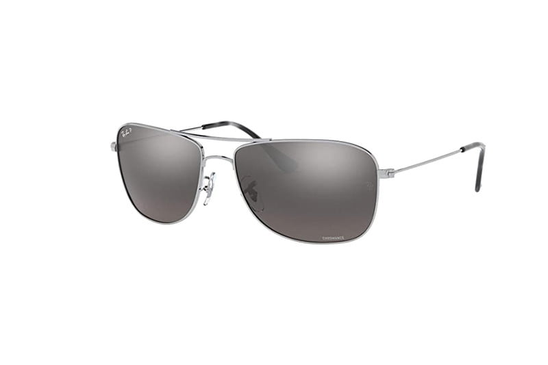 A pair of classic Ray-Ban aviators on a white background.