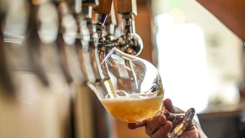 beer tap pour