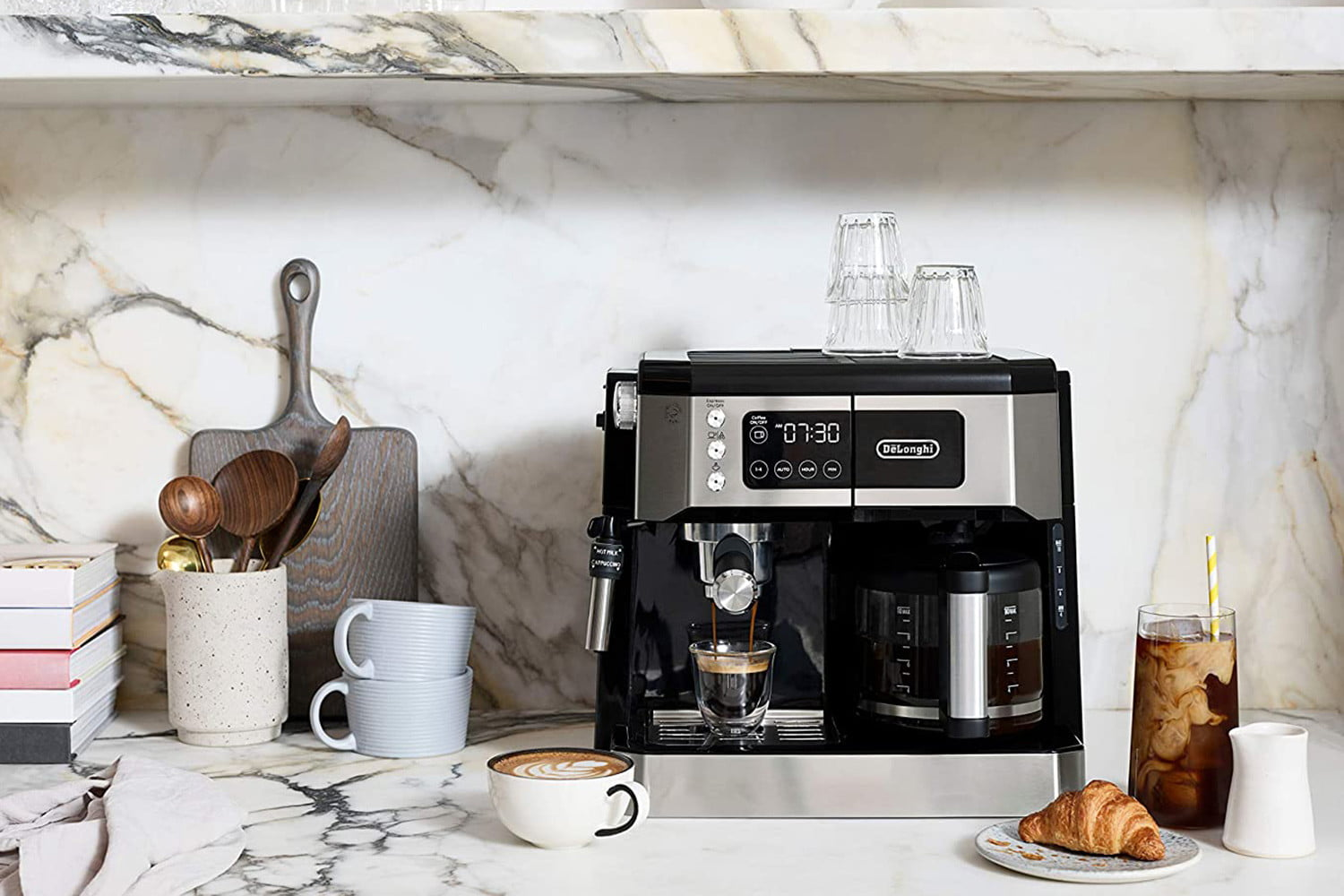 8 Best Coffee Makers To Get You Up Every Morning in 2021