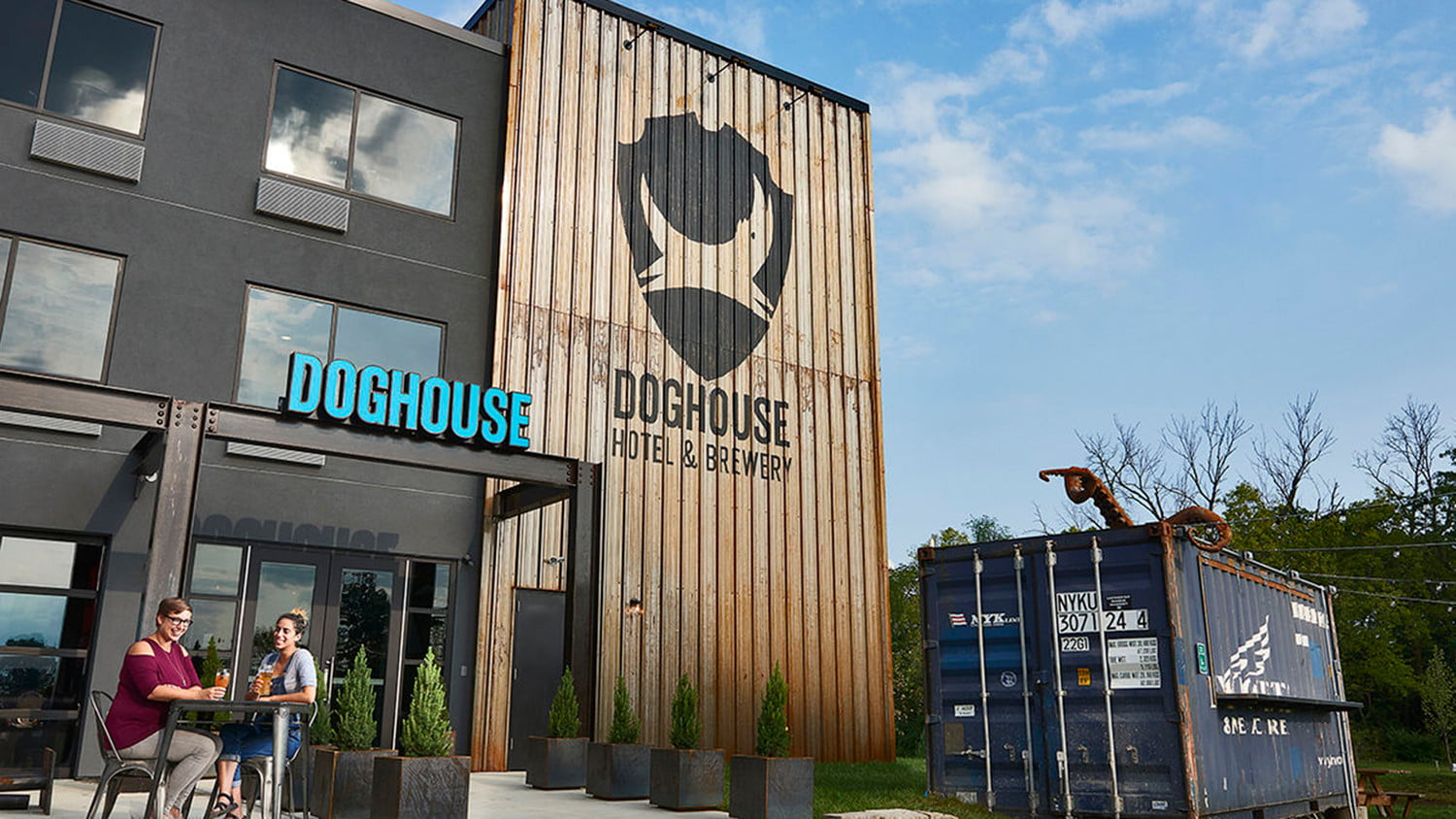 doghouse columbus brewdogs brewery hotel 1