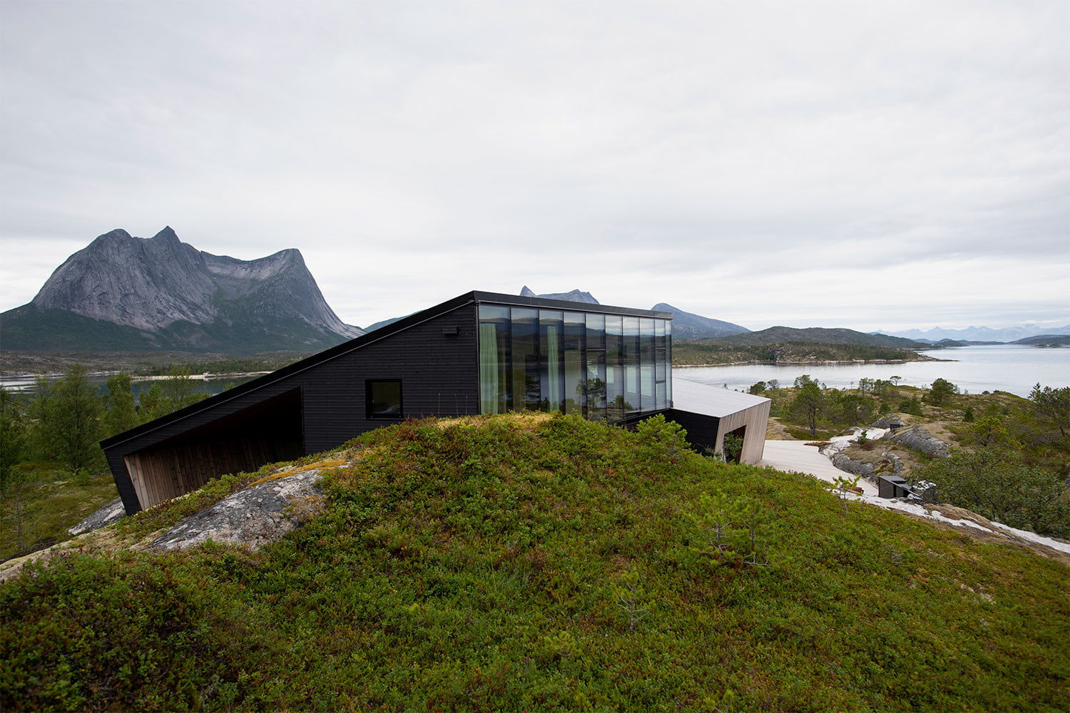 efjord cabin glass house norway snorre stinessen architecture 10