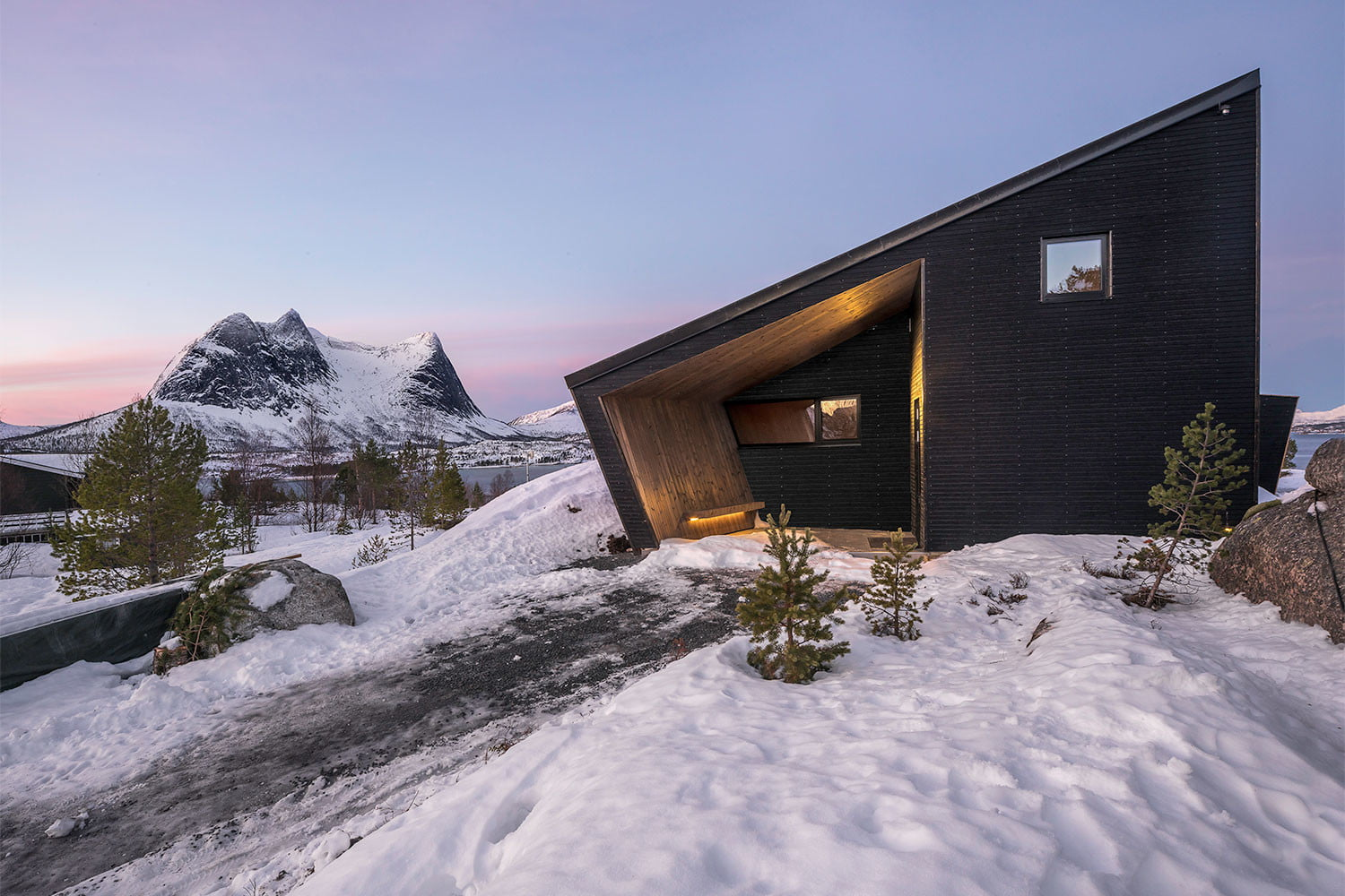 efjord cabin glass house norway snorre stinessen architecture 4