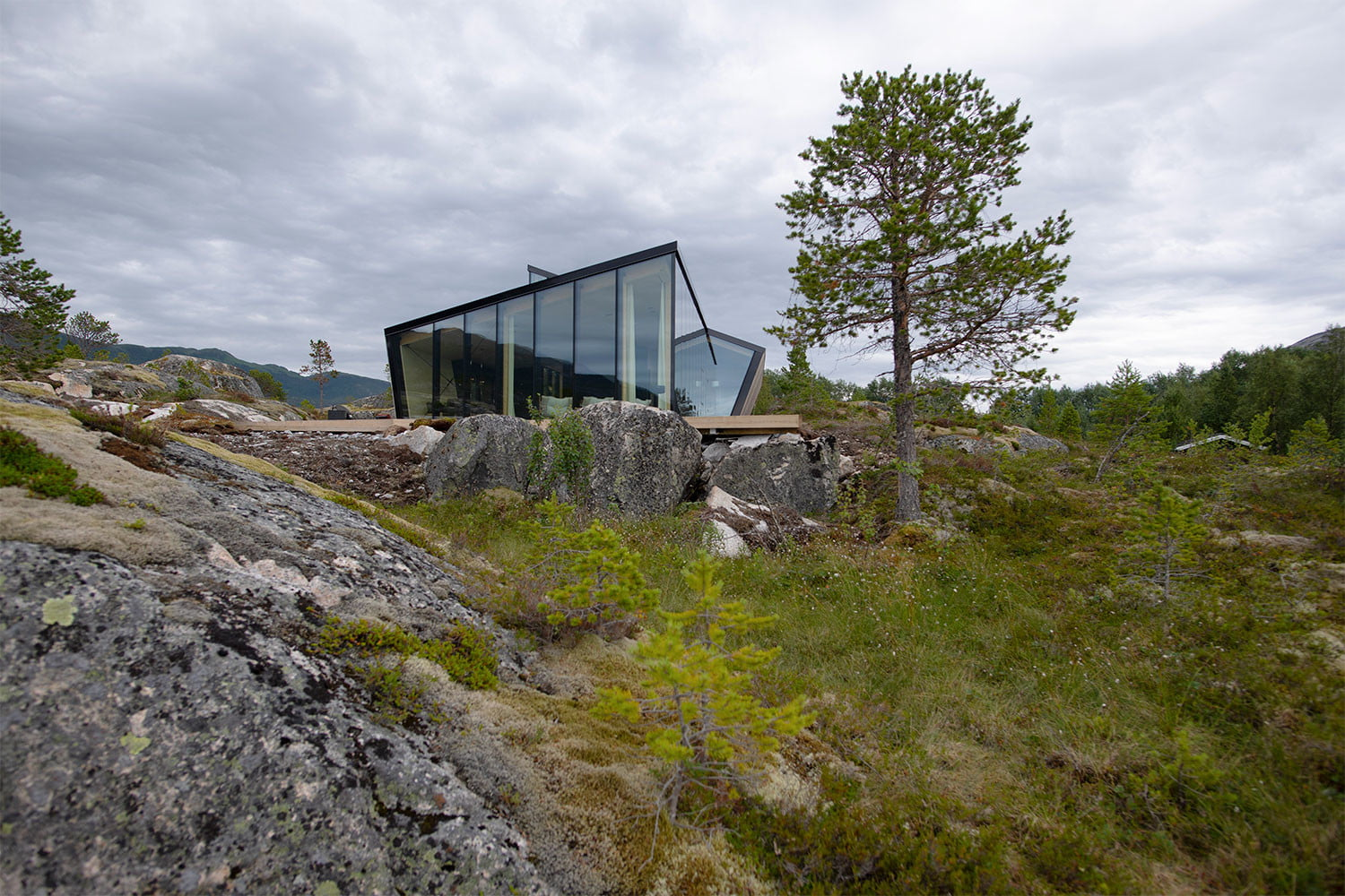 efjord cabin glass house norway snorre stinessen architecture 7