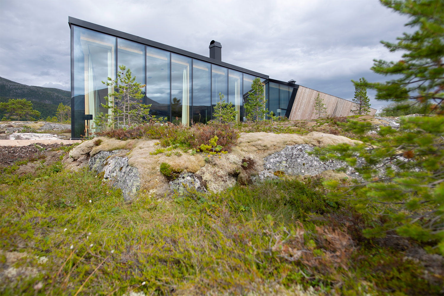 efjord cabin glass house norway snorre stinessen architecture 8