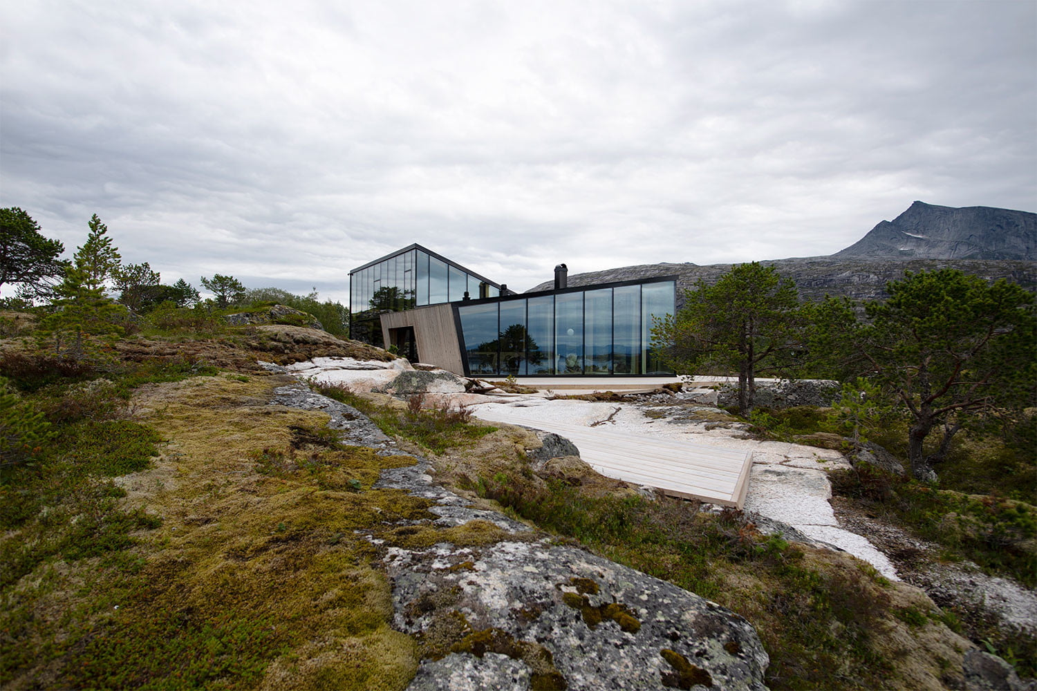 efjord cabin glass house norway snorre stinessen architecture 9