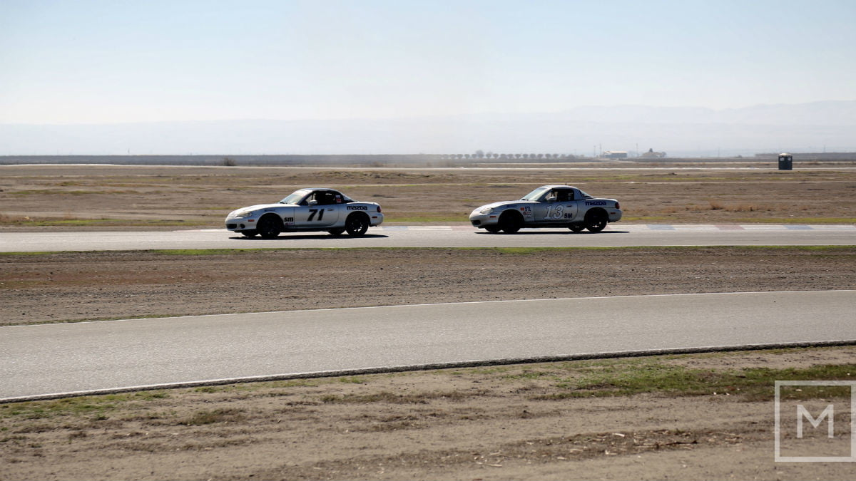 what to expect from your first road racing experience race buttonwillow raceway park 1