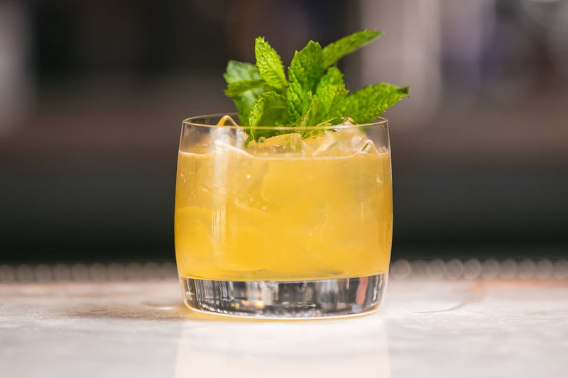 How to Make a Rye Whiskey Smash Cocktail