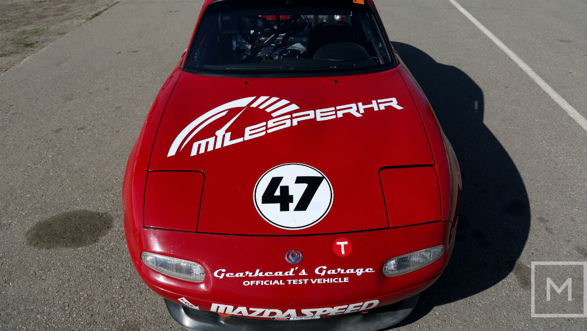 what to expect from your first road racing experience mazda miata race front