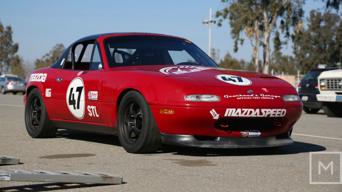 what to expect from your first road racing experience mazda miata race side