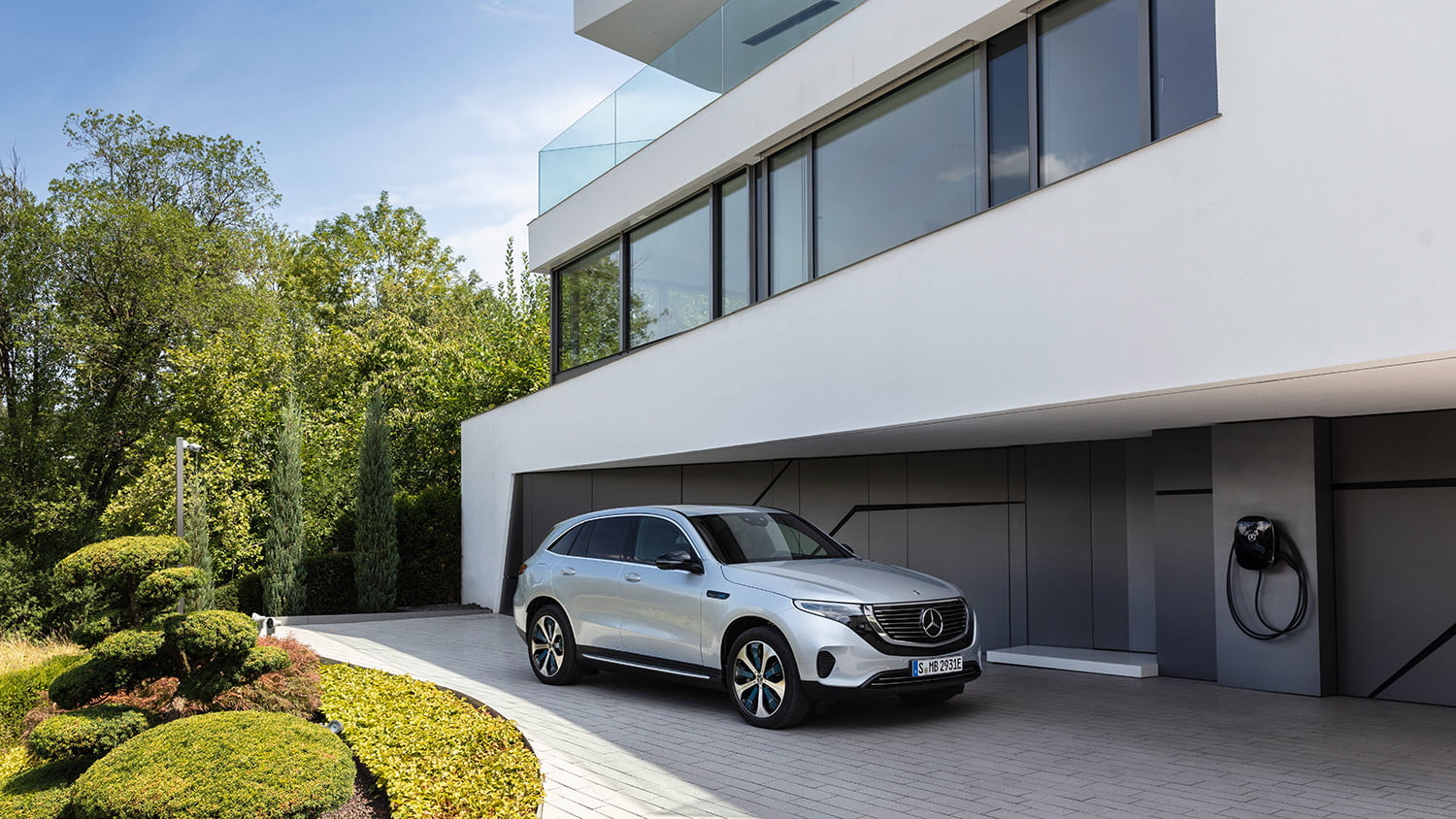 mercedes benz eqc all electric crossover announcement 3