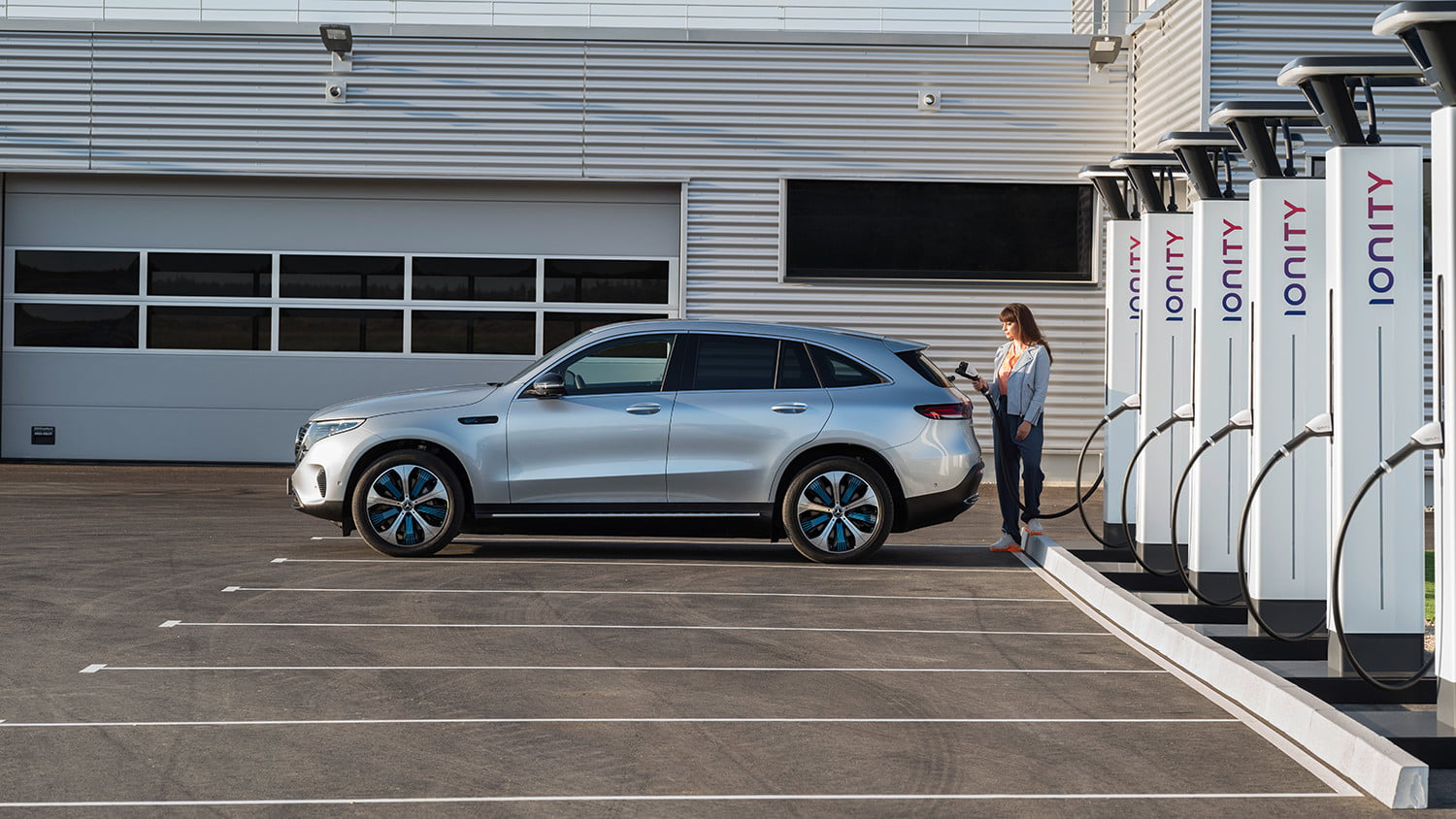 mercedes benz eqc all electric crossover announcement 4