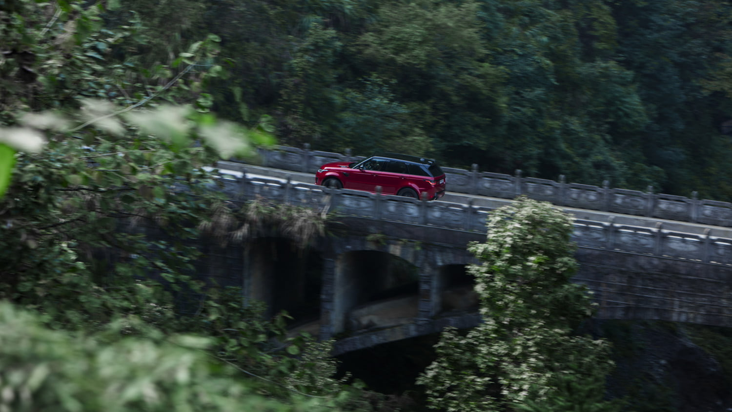 range rover sport heavens gate off road test in china 14