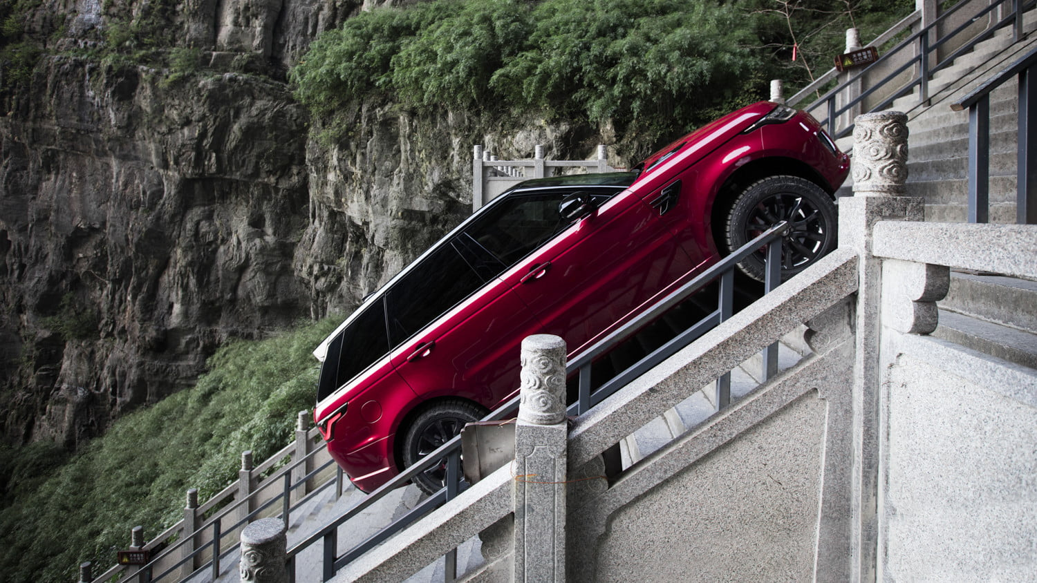 range rover sport heavens gate off road test in china 4