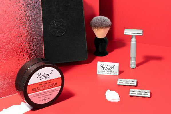 Shaving kit displayed separately on a red background.
