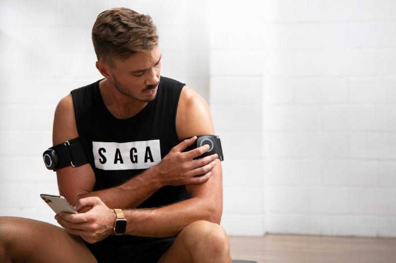 Controlling the SAGA Fitness blood flow restriction cuff from a SMART phone.