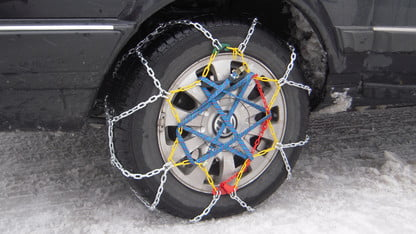 How to Put On Snow Chains in 2021 | The Manual