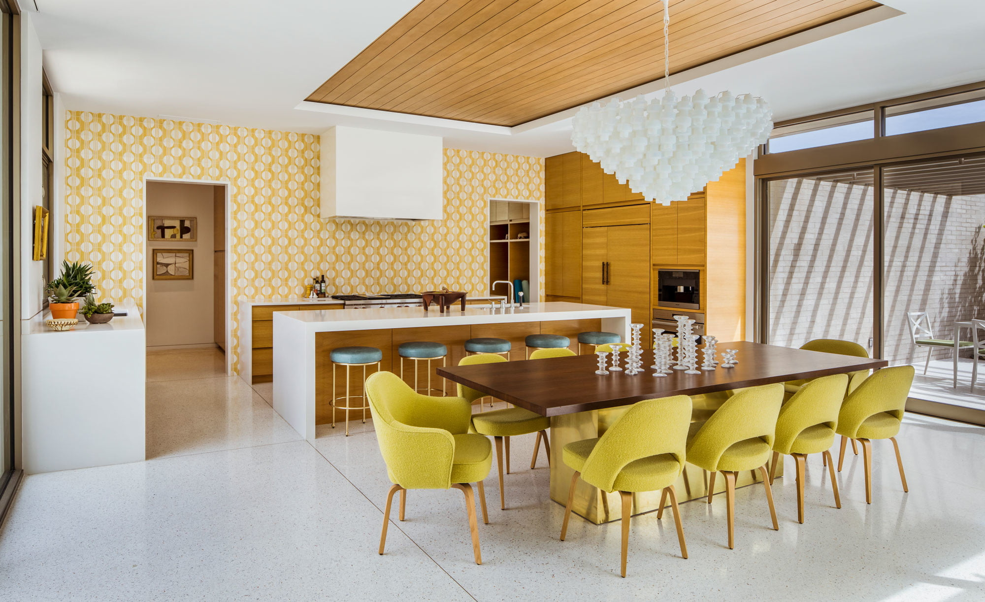 Thunderbird Heights Residence kitchen and dining room